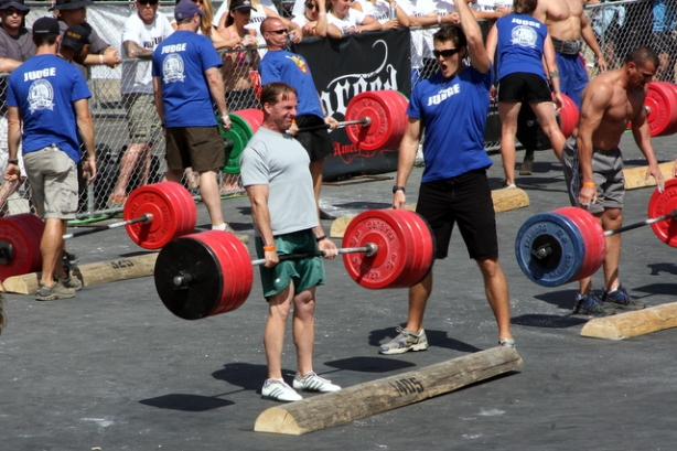 POS-Invictus-CrossFit-Games-Deadlift