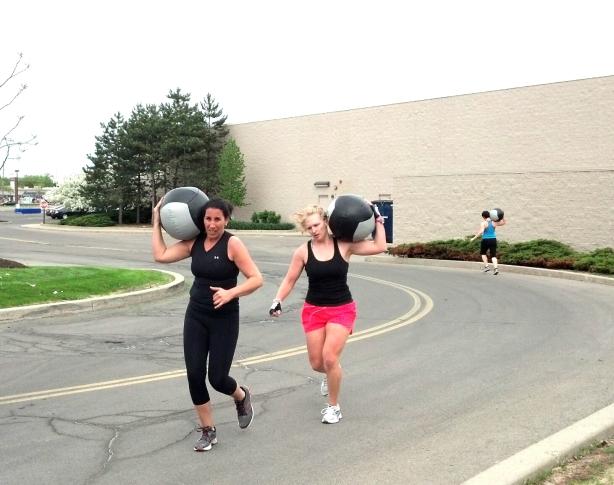 Med Ball Run CrossFit BAC Boulevard