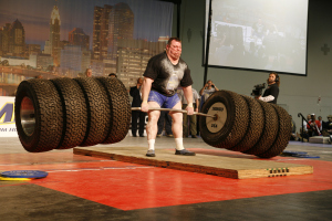 brian-siders-963-pound-hummer-tire-deadlift-photo-by-jason-breeze1